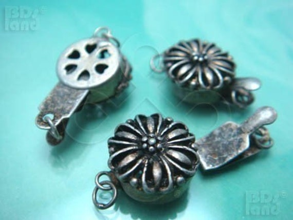 B616SA  / 2 Sets / 12 x 6 mm - Antique Silver Plated Box Round Filigree Clasp