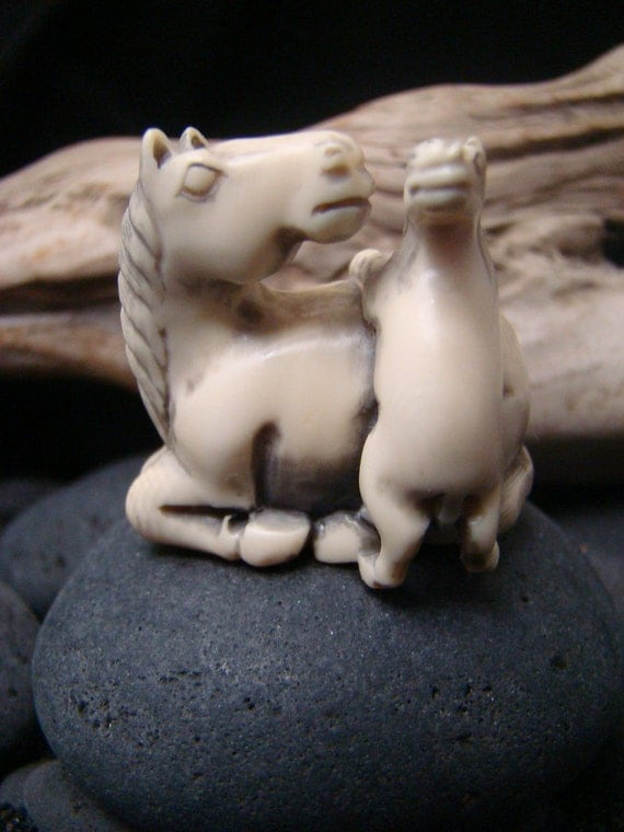 Horse / Mare with Foal /Colt / Filly 19th century Netsuke - Pre Ban Ivory - Hand Carved Vintage Antique Japanese Animal Miniature Figure