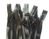 Ten 12 Inch Color 580 Ykk Long Pull Purse Zippers Black