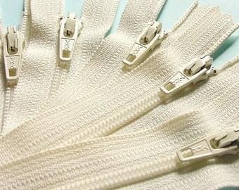 Ten 20 Inch Vanilla Zippers YKK Color 121