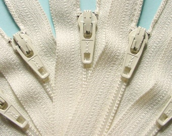 Wholesale YKK Zippers Twenty-five 8 Inch Vanilla Color 121
