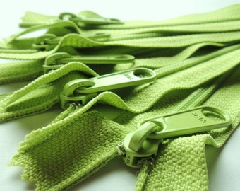 4.5 Ykk Purse Zippers with a Long Handbag Pull Color 874 Green Apple- 5pcs- Available in 7,8,9,10,12,14,16,18 and 24 Inches