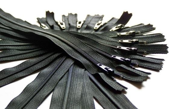 Ten 22 Inch Black Ykk Zippers Color 580