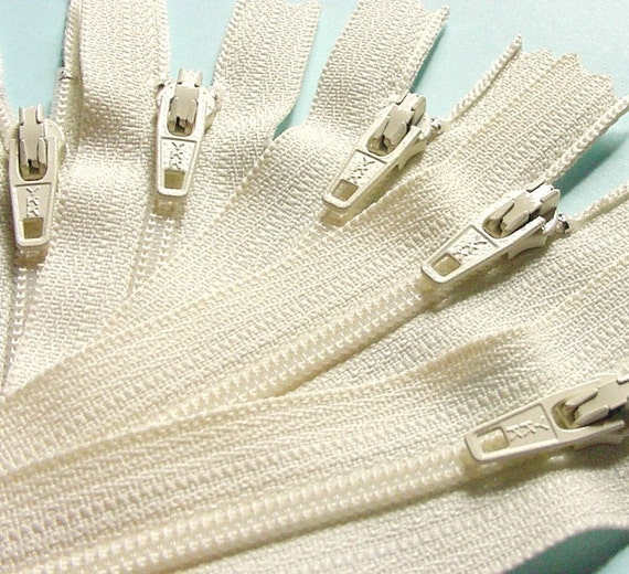 Ten 10 Inch Vanilla Ykk Zippers Color 121