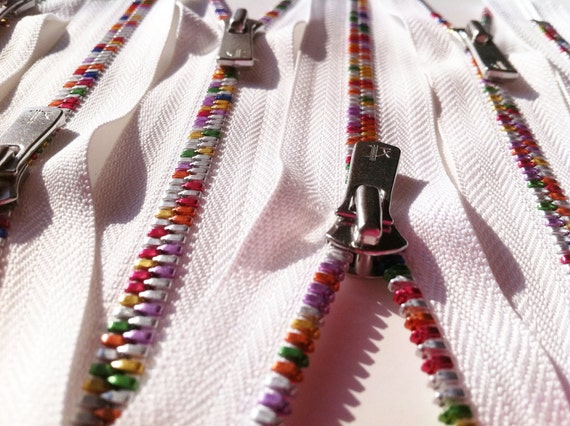 YKK Excella Rainbow Teeth Zippers - 7 inch - White (1) Zipper