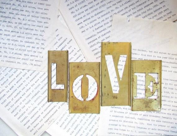 Vintage Letters - LOVE - Stencils Letters