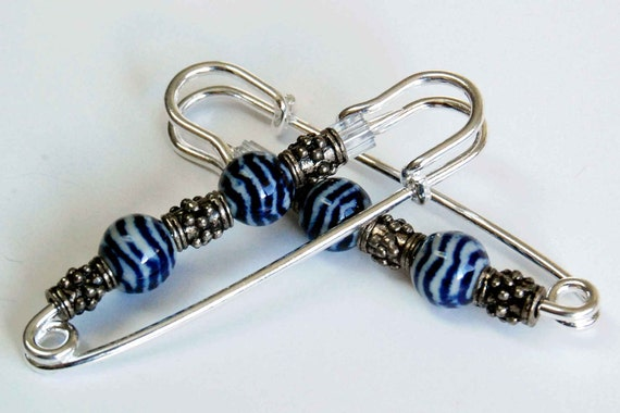 Blue, White n Silver Gathering Pin Pair