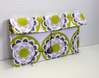 Nook or Kindle e-reader pouch - green and gray blossom