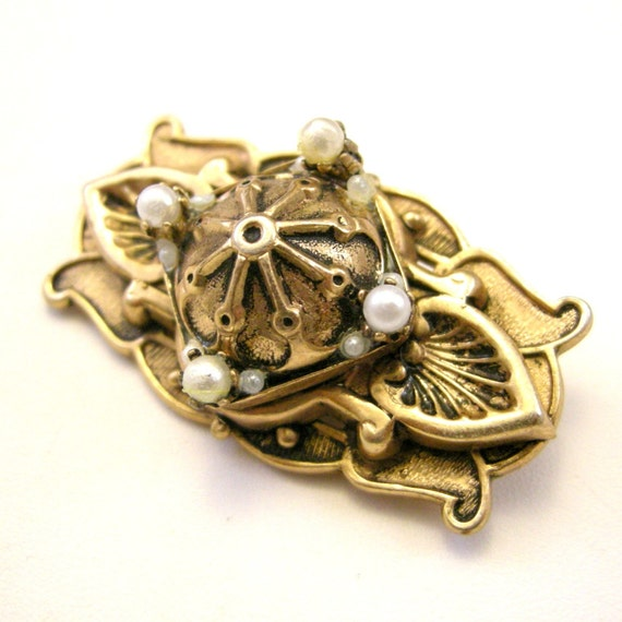 Vintage rose gold tone Renaissance Revival brooch with faux pearls
