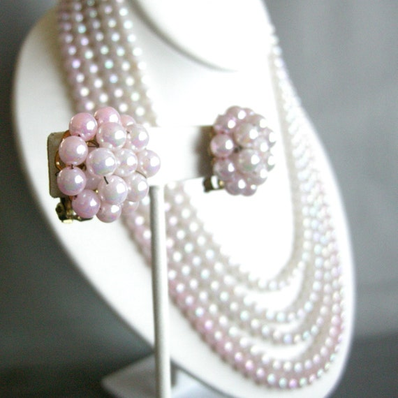 Vintage pink and cream iridescent beaded demi parure, necklace and earrings