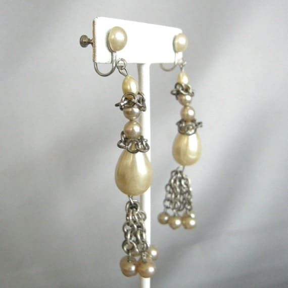 3 for 15 FREE SHIPPING - Long vintage faux pearl and chain link dangle earrings, screw back
