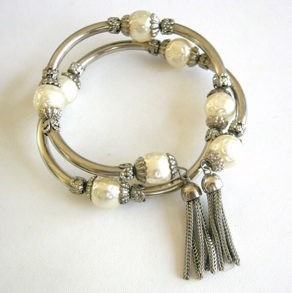Vintage silver tone and faux pearl coil bracelet with silver tassel