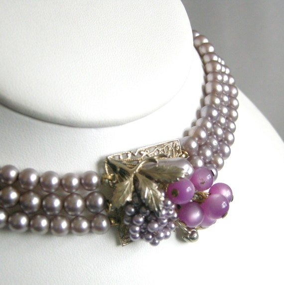 Vintage Miriam Haskell style purple glass pearl choker with cluster clasp