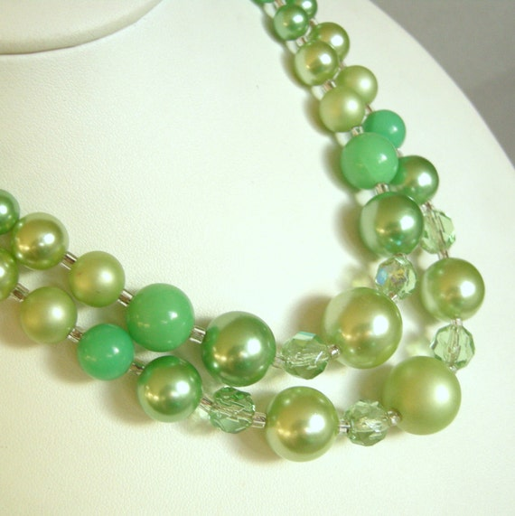 Vintage green faux pearl and glass beaded double strand necklace