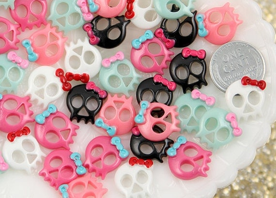 15mm Baby Bow Skull Resin Cabochons - 30 pc set