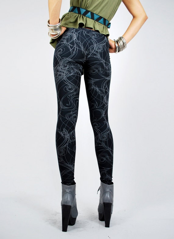SALE Black Abstract Smoke Lines Printed Leggings - Black and White S/M
