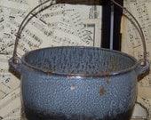 Grey Graniteware Agateware Pot...Wire Bale Handle...French Farmhouse Decor...Primitive...Country Kitchen Decor...Enamelware...Rustic Living
