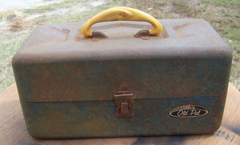 Old Pal Vintage Tackle Box by Woodstream