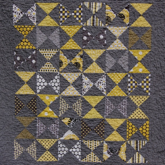 Gray Citron Hourglass Baby Quilt - READY TO SHIP