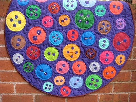 Cute As A Button Applique Baby Quilt