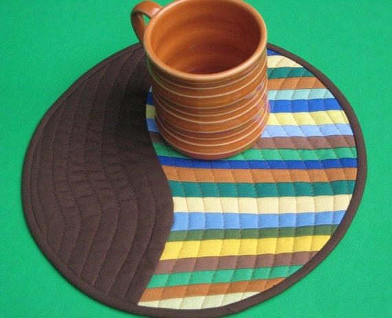 Swirling Stripes - Modern Patchwork Mug Rug, Mini Quilt, or Quilted Wall Hanging