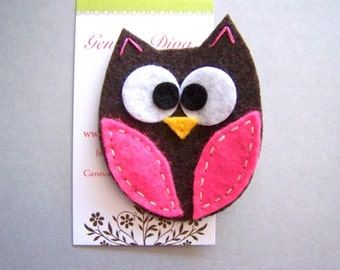 Big Eyed Owl...Brown and Hot Pink