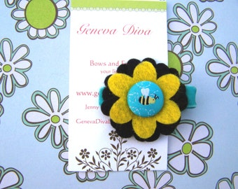 Buzzy Bee Felt Flower Hairclip