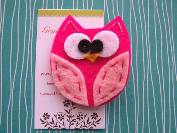 BiG EyEd OwL.....Hot Pink and Light Pink