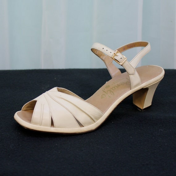 Vintage Ankle Strap Peep Toe Sandals by Penaljo - Size 7-8