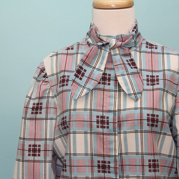 70's / 80's Plaid Blouse / Stand Up Collar / Optional Tie / Medium to Large