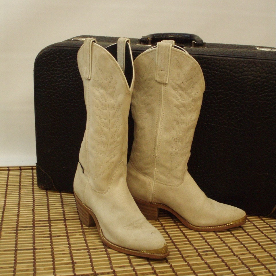 Vintage Cowboy / Cowgirl Boots in Tan Suede by CenterStageVintage