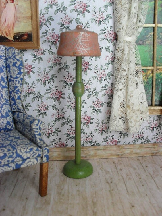 Strombecker Lamp for One Inch Scale Doll House - 1931 - Free Domestic Shipping