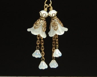 Vintage Style Bead Dangles White Lucite Flowers Pair C195