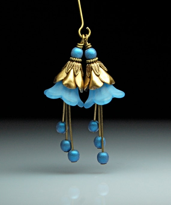 Bead Dangles - Pair - Vintage Style - Blue Lucite Flowers - Antiqued Brass - BL230