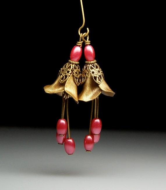 Vintage Style Bead Dangles Antiqued Brass Flowers Pair PK100