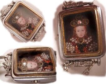 Jewelled Miniature portrait of Renaissance Queen with crown under glass necklace pearl portrait jewelry edwardian design silver lavalier