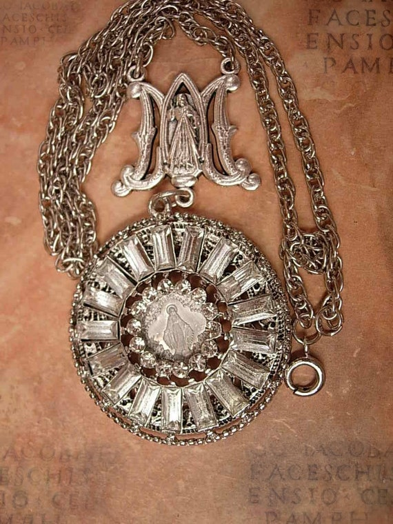 French Miraculous sacred heart  necklace Rhinestones