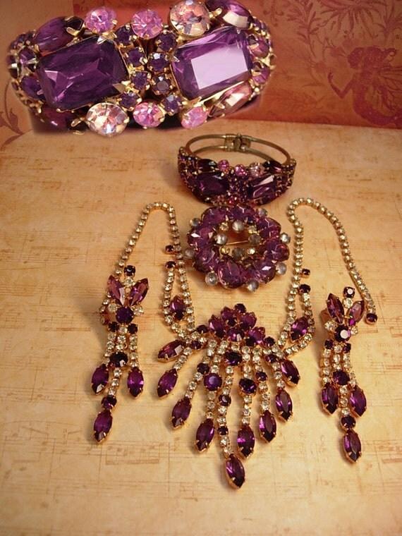 Dripping In purple Vintage Juliana necklace earrings brooch and bracelet Amethyst glass shoulder dusters