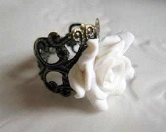 Innocent White Rose Ring