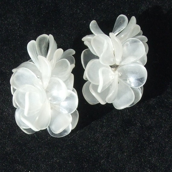 CHUNKY and FUNKY Vintage Clear Plastic Clip Earrings