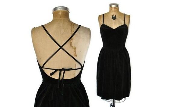 Little Black Dress / sexy backless velvet / Lanz Original / Small