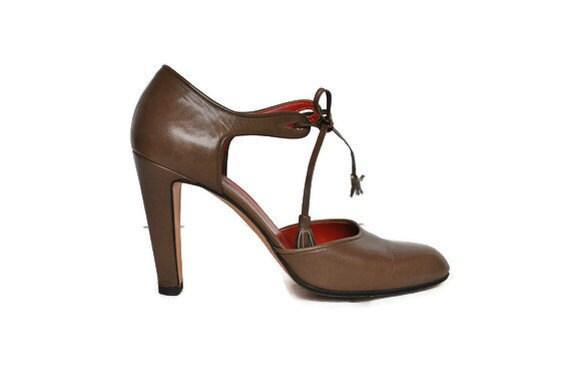 Yves Saint Laurent Heels / YSL / tassel high pumps / size 6 1/2