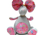 Bianca the mouse sewing pattern by artist Kallou