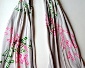 A safety pin Scarf in Beige