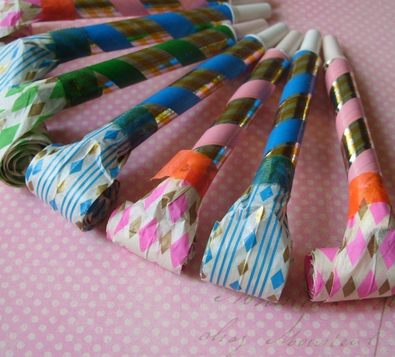 Vintage 1950's Paper Party Horn Blowers Lot of 7