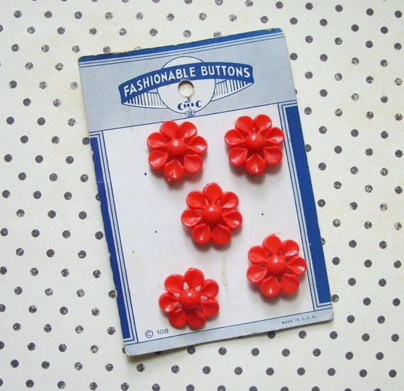 5 Vintage Red Plastic Pierced Flower Buttons on Card Le Chic