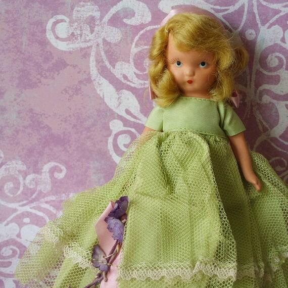 Vintage Bisque Nancy Ann Storybook Doll Frozen