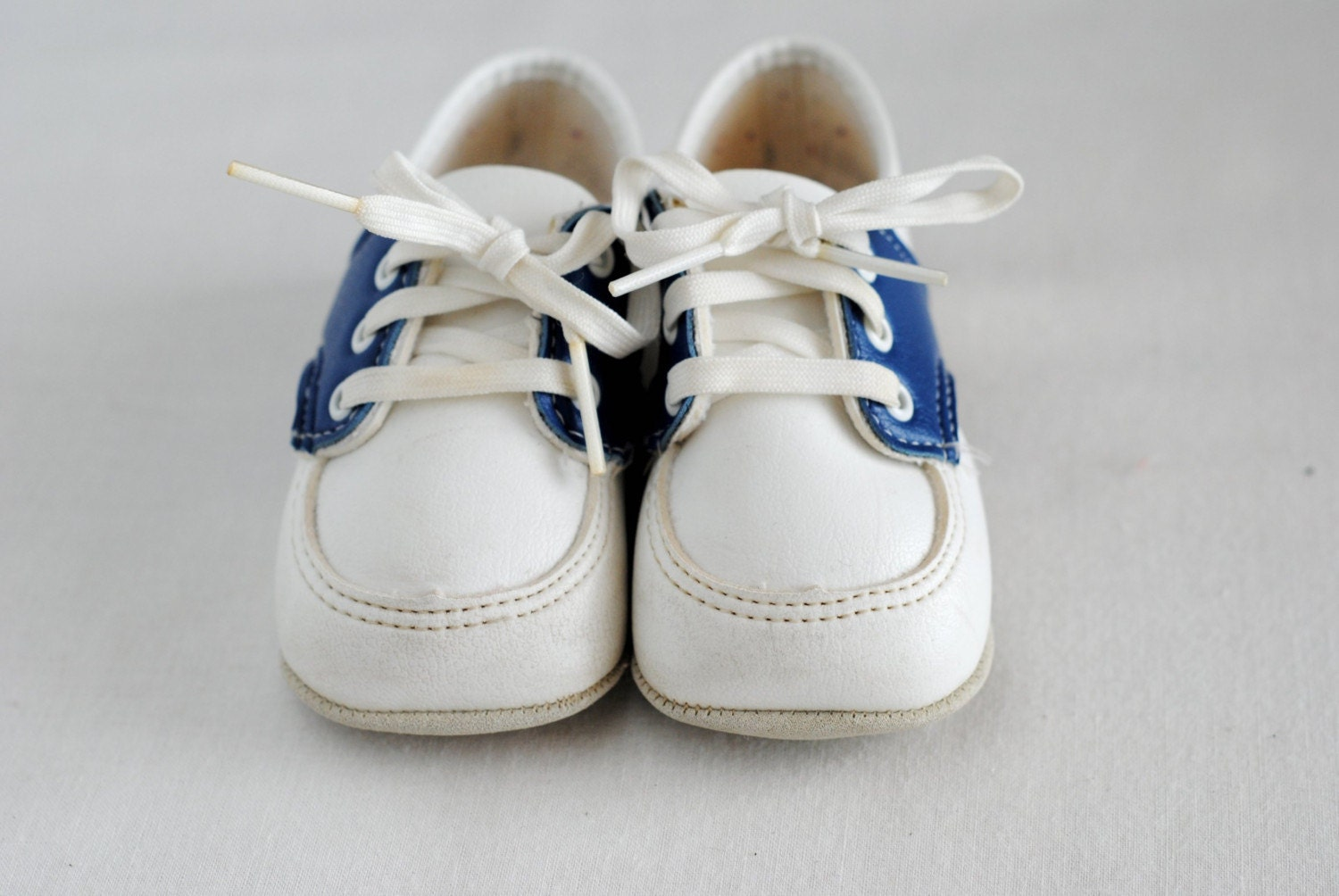 Vintage Baby Blue Saddle Shoes by HartandSew on Etsy