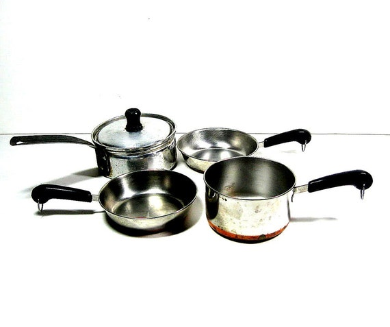 how to clean pots and pans bottoms