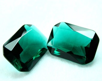 Glass Jewel Octagon 18x25mm Faceted Diamond Cut Pointed Back Unfoiled - Emerald Bohemian BY08-2 - 1 piece